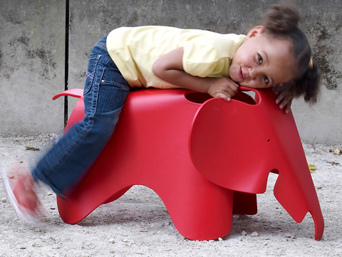 kids_EamesElephantChair