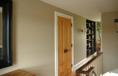 LuSamu_upstairs_hallway