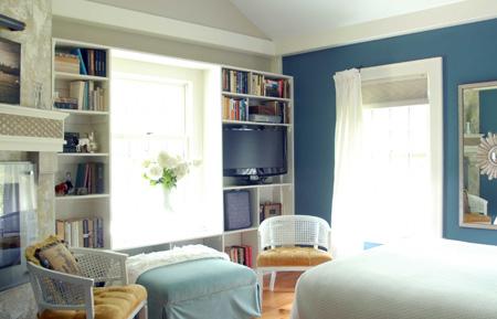 Blue_bedroom_windows