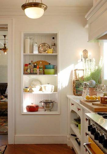 Sunny_white_kitchen