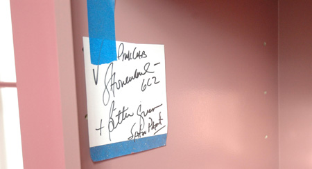 Note_taped_to_wall